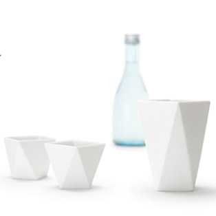 絆を深める酒器セット Bottle&Cup [Shuki] 4,320 yen