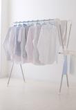 嫌なにおいや湿気を予防してリビングも清潔!梅雨の洗濯物対策