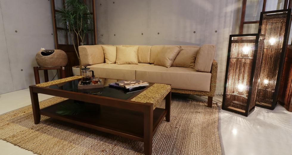 アジアンソファー chai(チャイ) ― 自然と過ごす時間が長くなる居心地の良さ