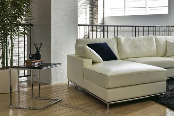 リビングのソファー横に置くサイドテーブルの選び方